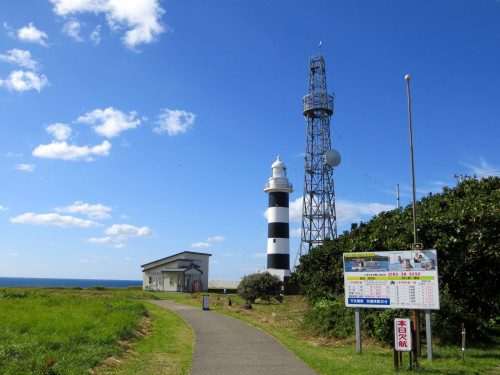 男鹿の入道崎灯台までの道。