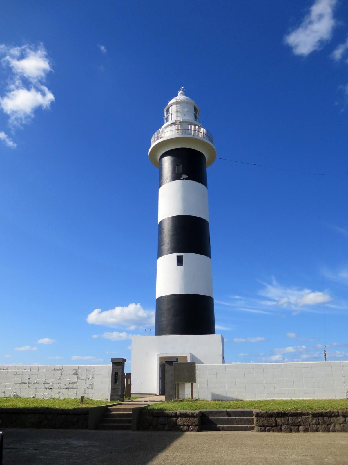 入道崎灯台どーん。